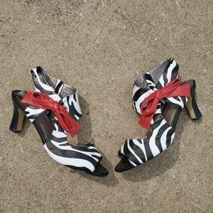 Array Zebra Heels with Bow sz 12w